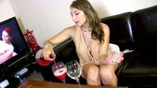 Femme saoule baisée, l'alcool la rend vraiment chaude