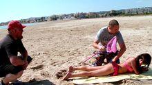 Baise amateur sur la plage, à la chasse à la chaudasse