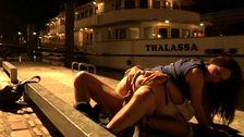Couple amateur porno baise sur les quais de Seine