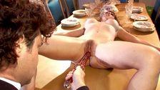 Superbe poupée rousse humiliée par son patron et son majordome